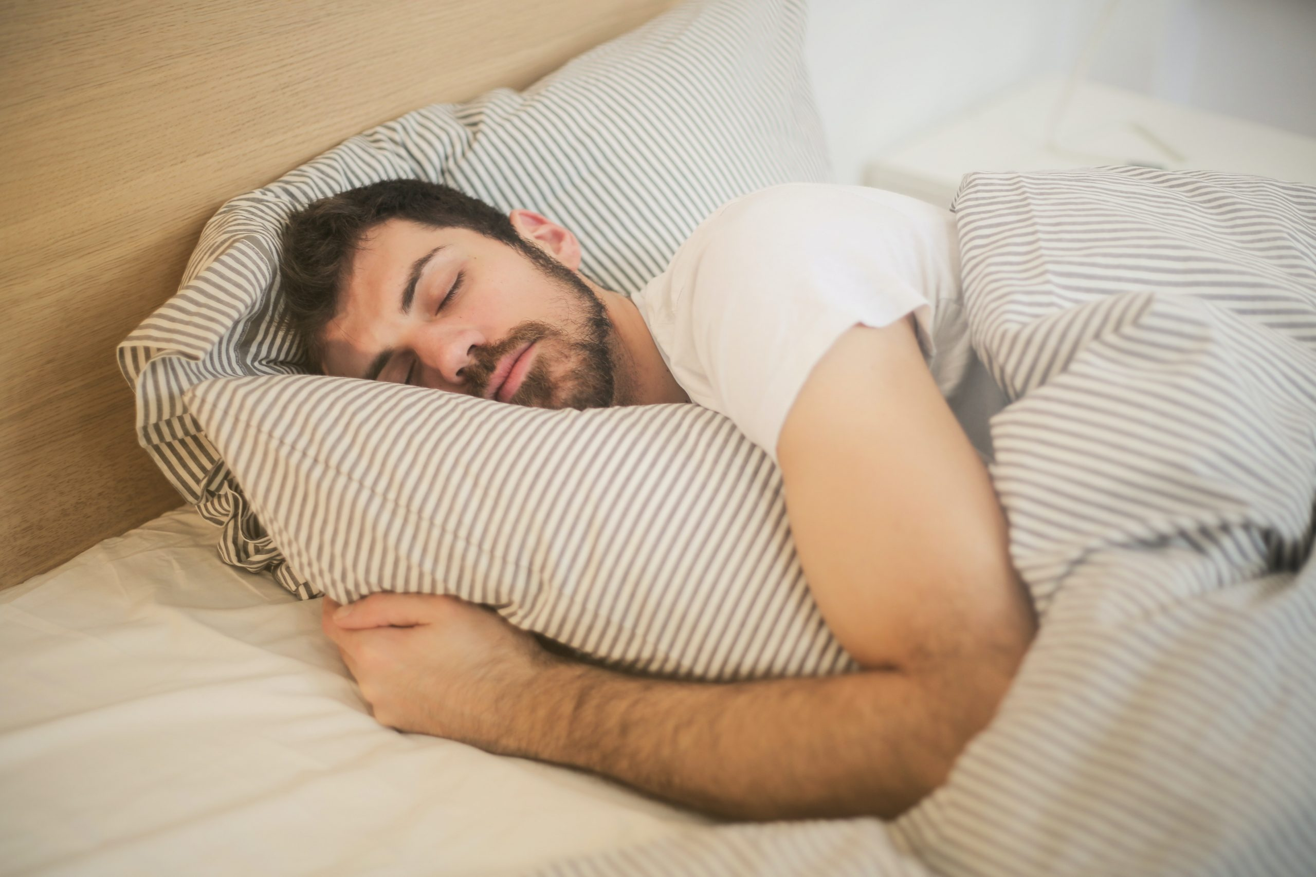 Kako dobro spati v obdobju epidemije koronavirusa (COVID-19)?